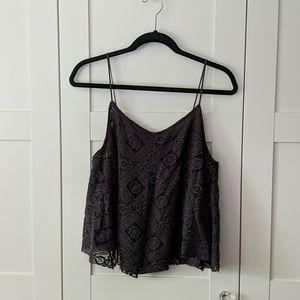 ❄️ 3/$25 Grey Flowy Lace Crop Top